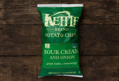 Thumb 400 kettle brand sour cream onion 8 5 oz
